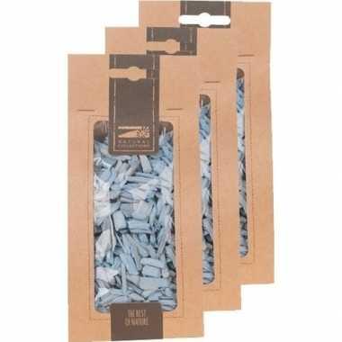 3x zakje lichtblauwe houtsnippers 150 gram
