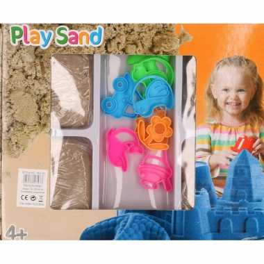 4x speelzand/magisch zand 250 gram met 8 zandvormen