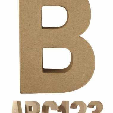 Letter b van papier mache voor decoratie