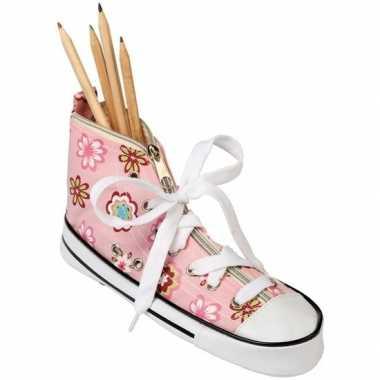 Pennen/potloden etui sneaker roze 24,5 cm