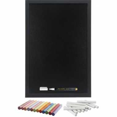 Schoolbord/krijtbord 40 x 60 cm met krijtjes wit en kleur