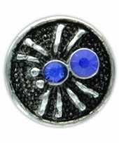 Zilveren chunk met spin blauw 1 8 cm