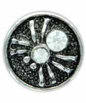 Zilveren chunk met spin wit 1 8 cm